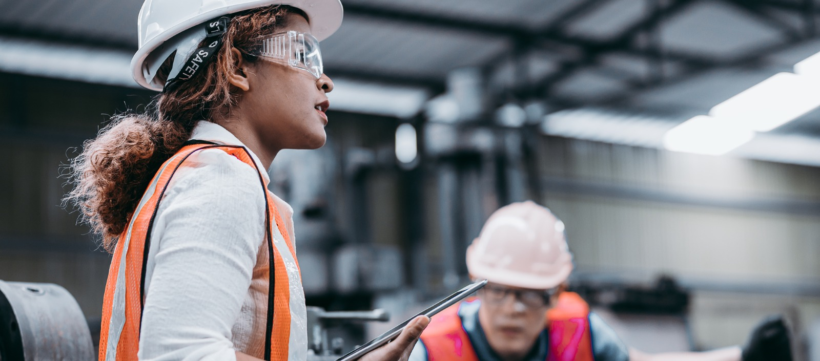 Female manufacturing workers on the shop floor | overcoming the manufacturing labor shortage